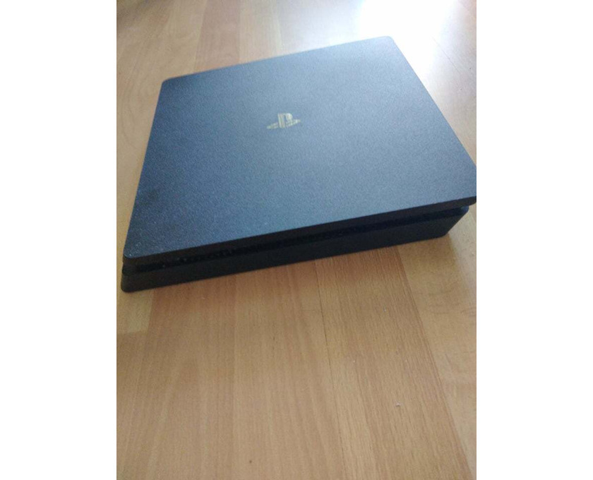 ПРОМО! Playstation 4 slim 500 GB, игри за XBOX 360 и Playstation 4 + джойстици. - 4/5